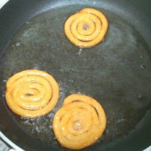 Jalebi frying process